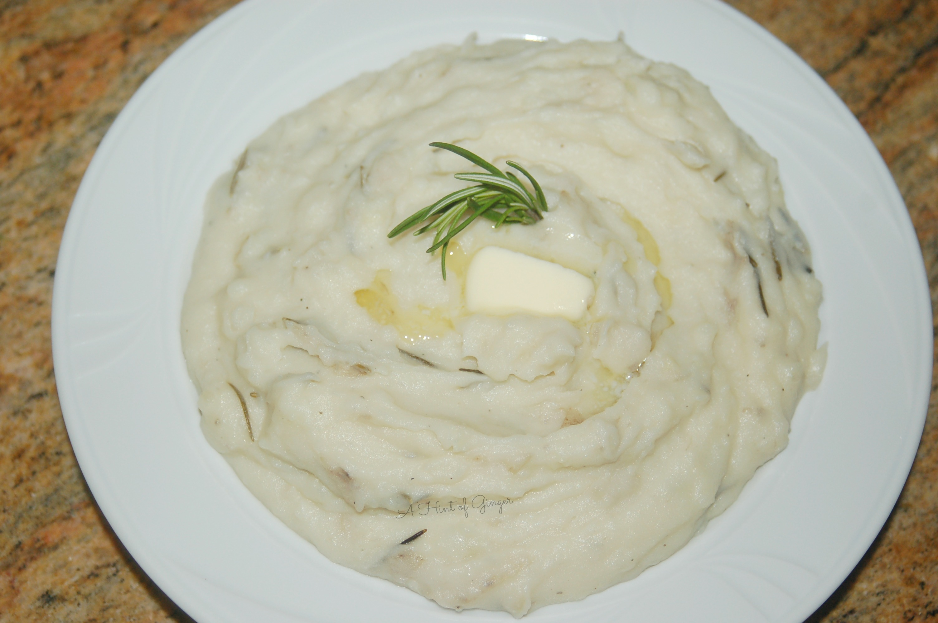 Garlic, Rosemary, and Mascarpone Mashed Potatoes – A Hint of Ginger